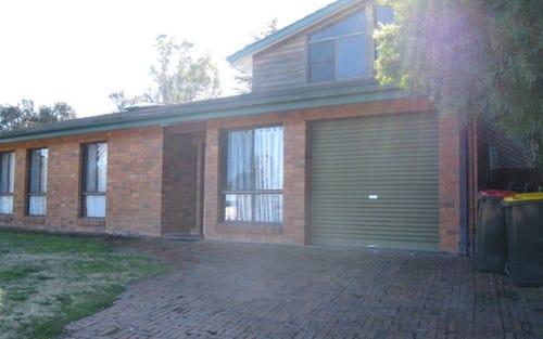 10 Miriyan drive, Kelso NSW