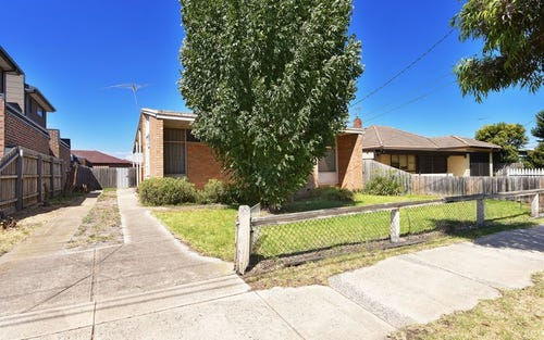 96 Bowes Av, Airport West VIC 3042