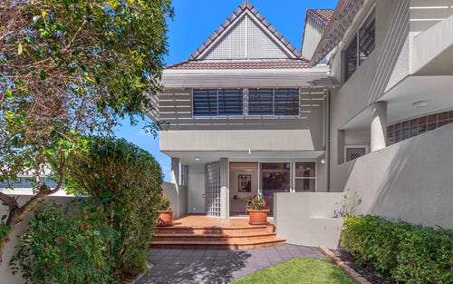 1/62 Ryans Rd, St Lucia QLD 4067