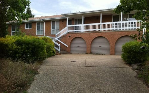 8 Venables Place, Isaacs ACT