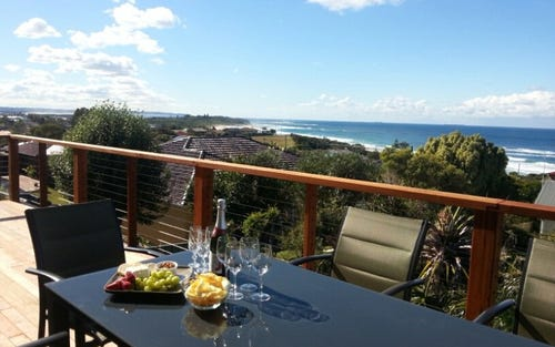 3 New Street, Caves Beach NSW