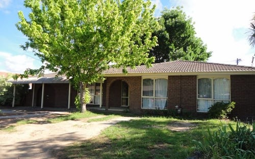8 Longman Street, Richardson ACT