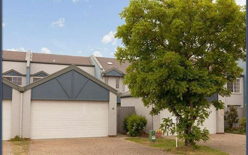 55 Grounds Crescent, Greenway ACT